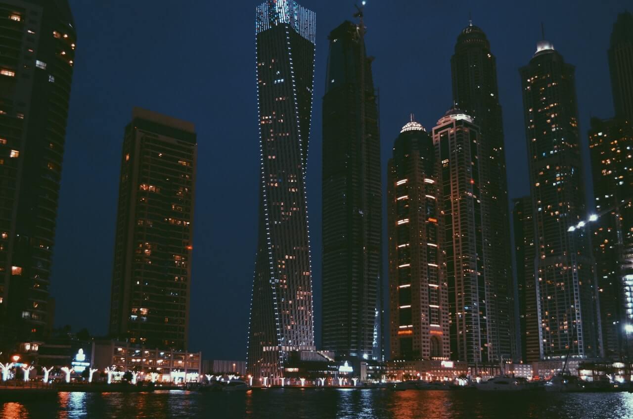 4 façons de visiter Dubaï de nuit
